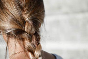 Comment tresser les cheveux sur le front