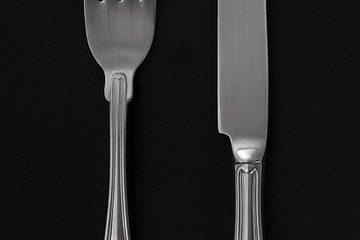Wok en acier au carbone versus wok en acier inoxydable