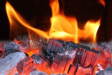 Que faire avec les cendres de briquettes restantes ?