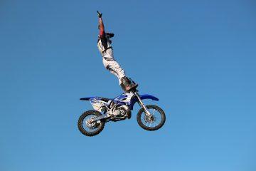 Comment vérifier les numéros d'identification de motocyclette volés ?