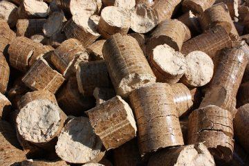 Puis-je brûler des granules dans un poêle à bois ?