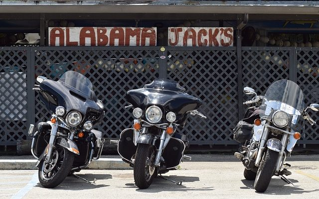 Motocyclettes ou voitures pour le kilométrage d'essence