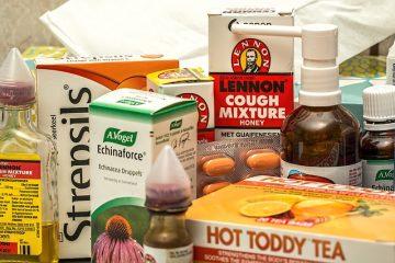 Remèdes à la maison pour une toux et des démangeaisons de la gorge.