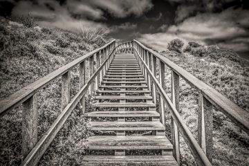 Comment teindre et finir un escalier en bois