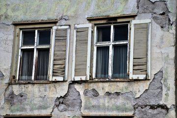 Règles pour la reconstruction des limites des murs de pierre