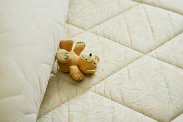 Comment mettre un matelas sur un lit de fer ancien ?