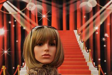 Installation des marches d'escalier en moquette