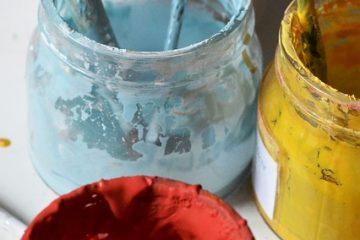 Comment mélanger l'émail et la peinture acrylique