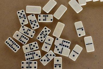 Instructions de jeu pour les dominos pour les enfants
