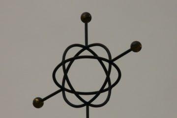 Projets de la science pour les enfants : Modèles simples d'atomes