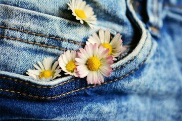 Comment faire des fleurs en tissu rigide ?