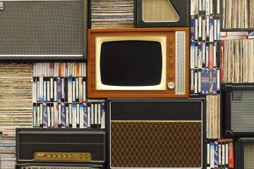 Comment monter un téléviseur à écran plat sur un mur en plâtre