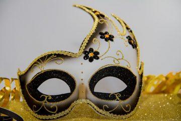 Comment s'habiller pour une fête masquée