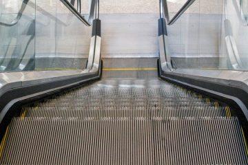 Comment fixer des marches d'escalier grinçantes