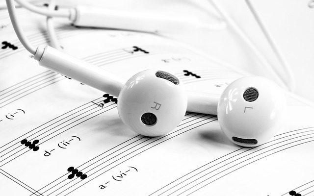 Quels bruits sont entendus si un téléphone est mis sur écoute ?