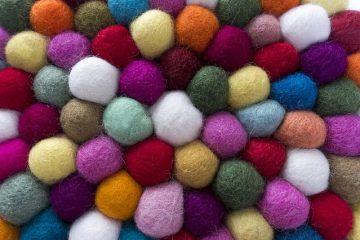 Comment faire des coussins de canapé en laine