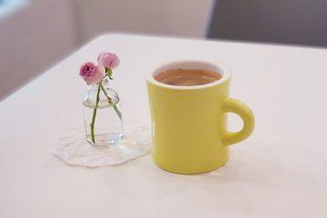 Comment faire un café au lait à la maison sans machine à café