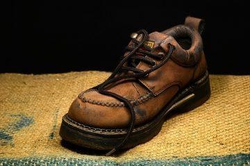 Comment réparer les fissures dans une chaussure en cuir