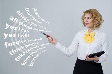 Comment puis-je démarrer ma propre entreprise d'assistant(e) de soins personnels ?