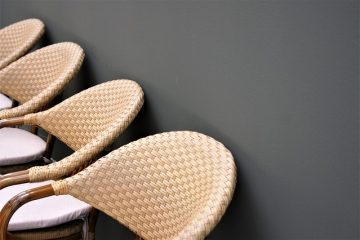 Comment remplacer le rotin ou l'osier sur un siège de chaise ?