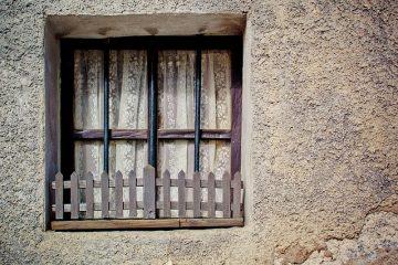 Comment supprimer la barre d'adresse de la stratégie de groupe de l'explorateur Windows