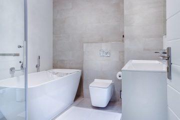 Quels sont les dangers des portes de douche en verre ?