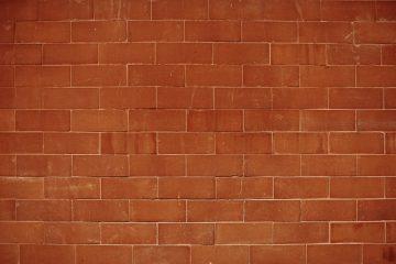 Comment ancrer un boulon sur un mur de briques
