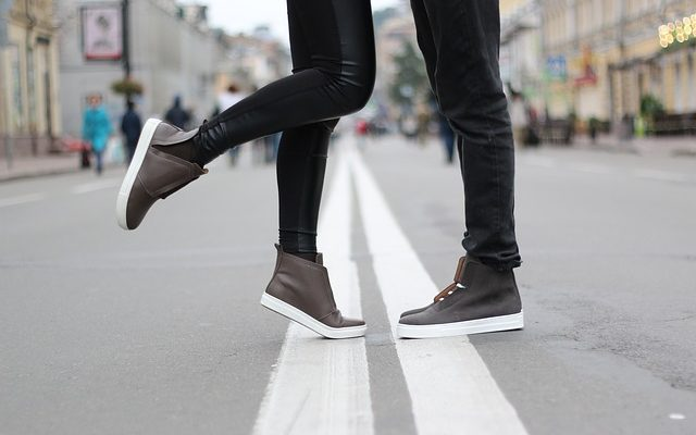 Comment empêcher les chaussures en cuir verni de grincer