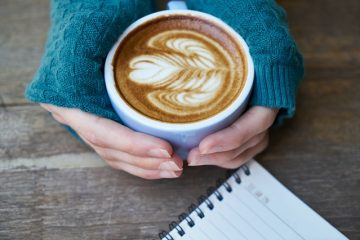 Comment enlever les taches de café des pages d'un livre