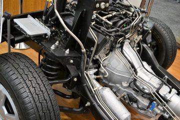 Comment remplacer une courroie serpentine à poulie sur une Honda CRV