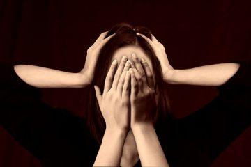 Symptômes et traitement pour un mal de tête cervicogène.