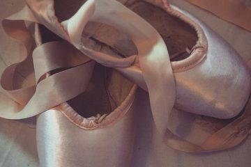 Comment coudre des rubans sur des Pointe Shoes