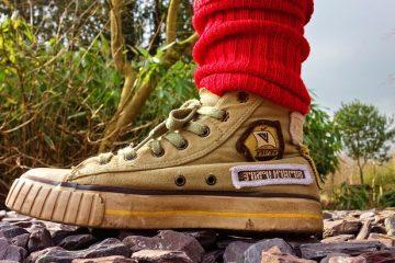 Conseils pour obtenir des pieds étroits pour s'adapter aux chaussures ordinaires.