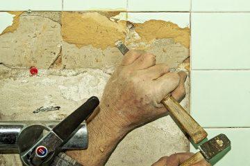 Comment enlever la colle à tapis des carreaux de céramique
