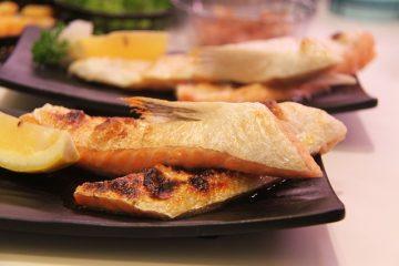 Comment faire frire des darnes de saumon à la poêle