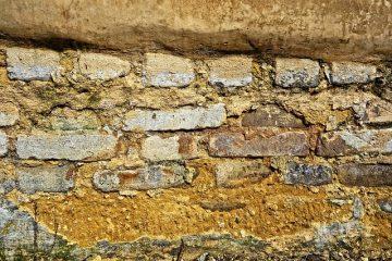Comment poser des pierres décoratives